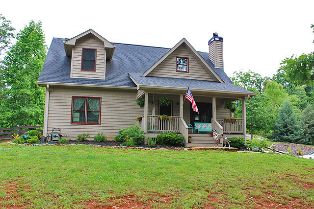 Dahlonega homes and townhomes for rent for Dahlonega ga cabins for rent